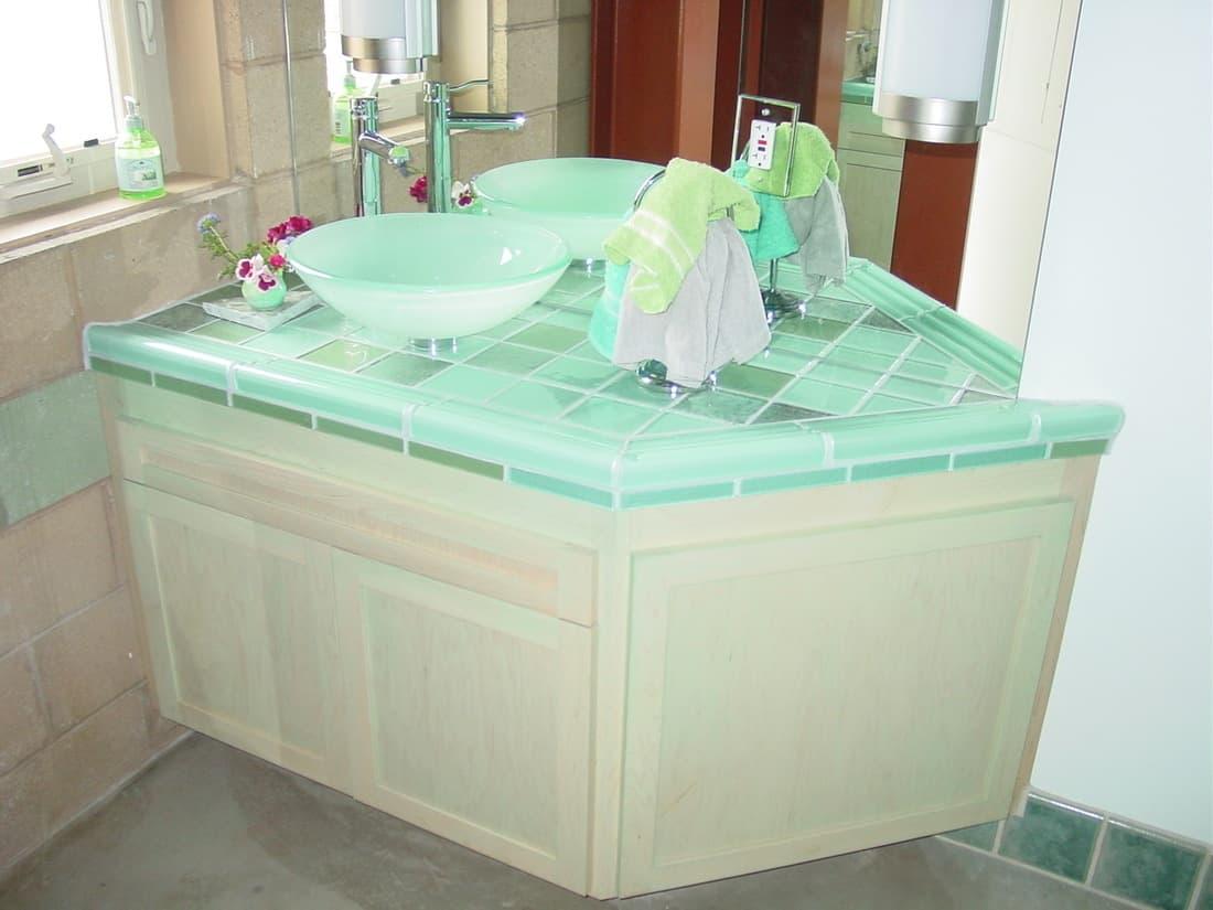 LLF-Guest-Bath-1100x825.jpg